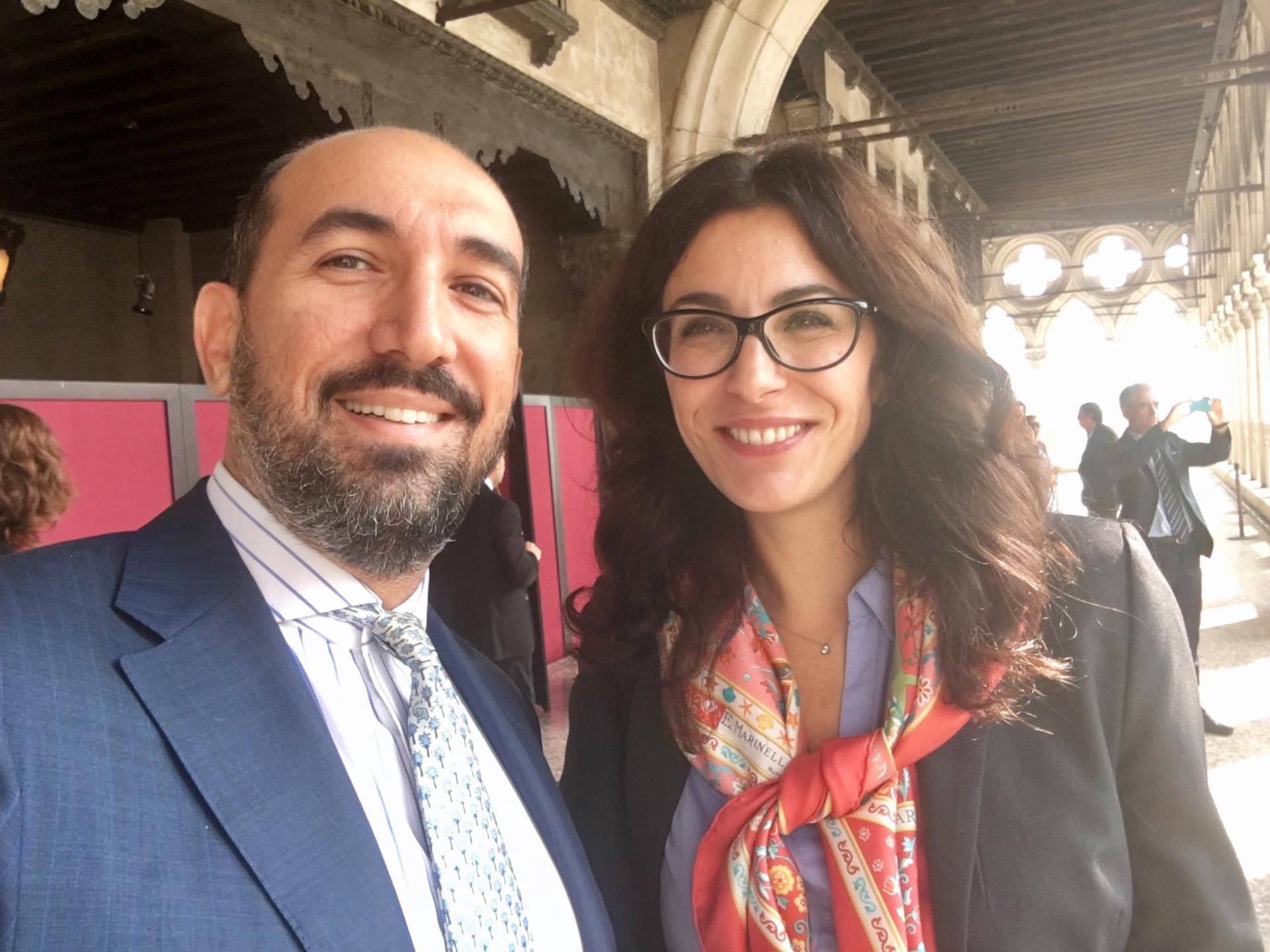 Ο κ. Κωστής Σπύρου με την Lucia Silva, επικεφαλής του τομέα Κοινωνικής Ευθύνης του Ομίλου