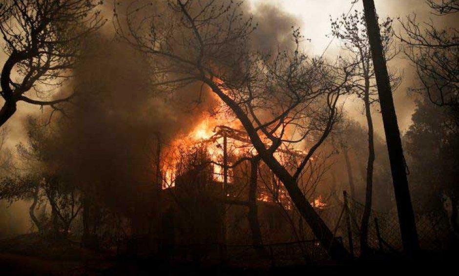 Πυρκαγιά Αττική: Δίπλα στους ασφαλισμένους οι εταιρείες